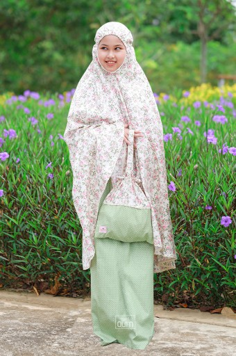 Telekung Khayla in Vintage Flowers Green