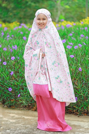 Telekung Khayla in Shabby Flowers Pink
