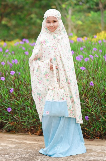 Telekung Khayla in Shabby Flowers Cream