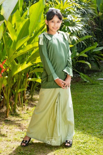 Haneez Kurung in Fern Green