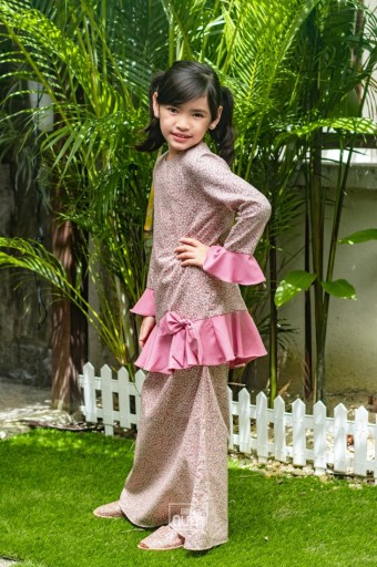 Sophie Bow Kurung in Pearl Pink