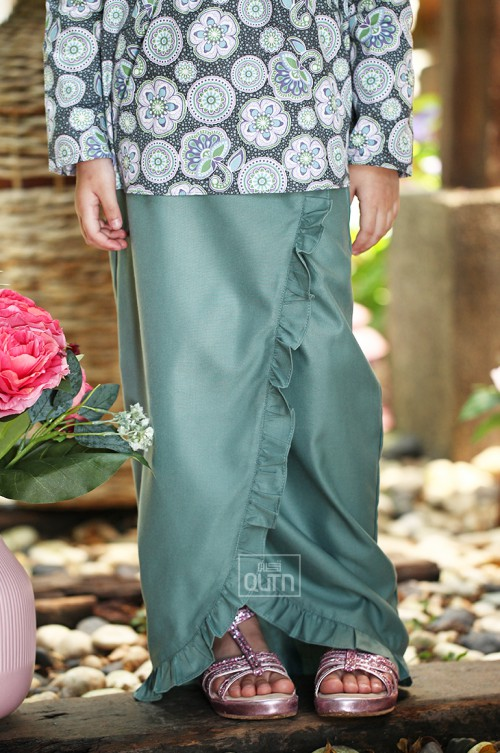 ALEAH Reese Bow Kurung in Charcoal Grey