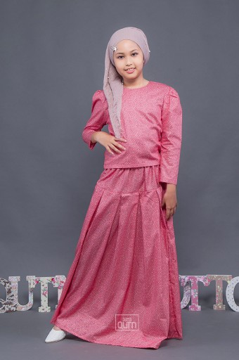 Olivia Blouse & Skirt in Red Chilli