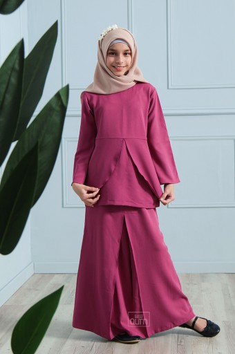 Arianna Kurung in Barbie Pink