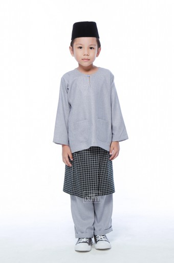 Harraz in Sable Black With Instant Samping