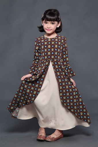Tiara Dress in Walnut Brown