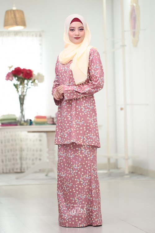 Tulip Kurung Moden in Dusty Pink