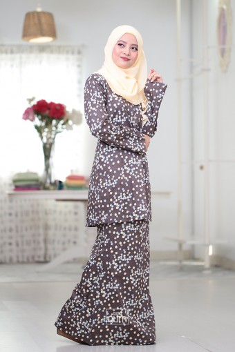 Tulip Kurung Moden in Mahogany Brown