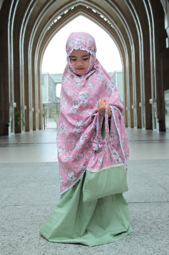 Telekung Khayla in Rose Pink & Green